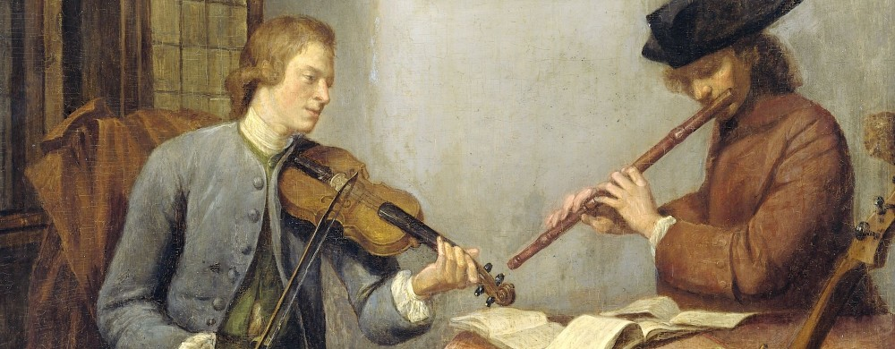 Een violist en een fluitist musicerend